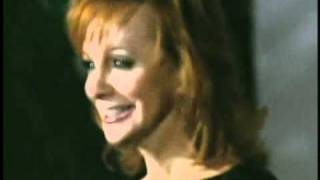 Reba McEntire   2010 CMA Awards Show Photos   Great American Country