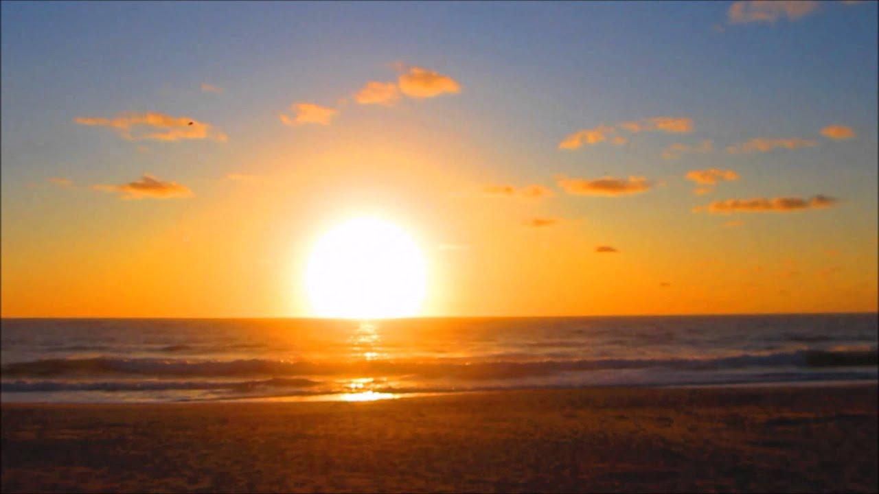 11th Nov 15 Sun rise at Sunrise Beach, Noosa, QLD Australia - YouTube