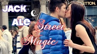 Jack Nobile e Ale StreetMagic Milano - Magia in strada - How to pick up girls - Kissing Card Trick