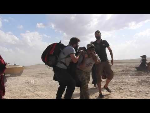 Families Flee West Mosul Under Fire from ISIS