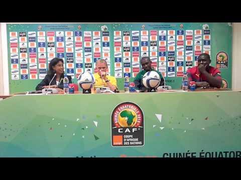 Finke et Mbia en conférence de presse