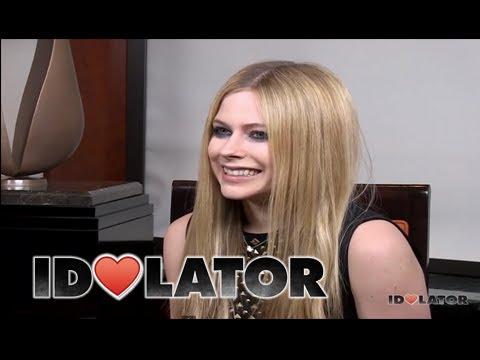 Avril Lavigne Talks New Album, Marilyn Manson, and Eye Shadow