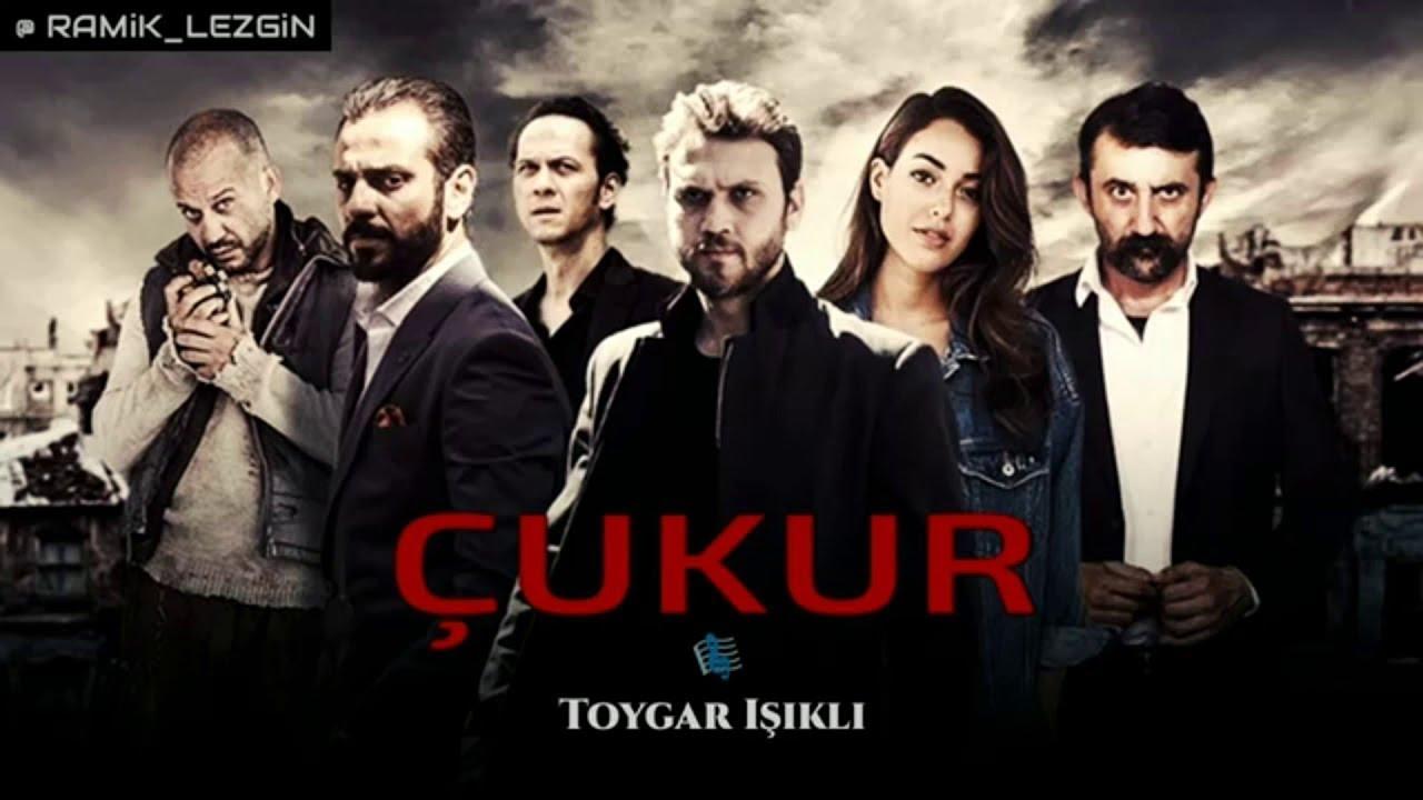 The pit (CUKUR) Episode 16 – turkish series – greek subtitles