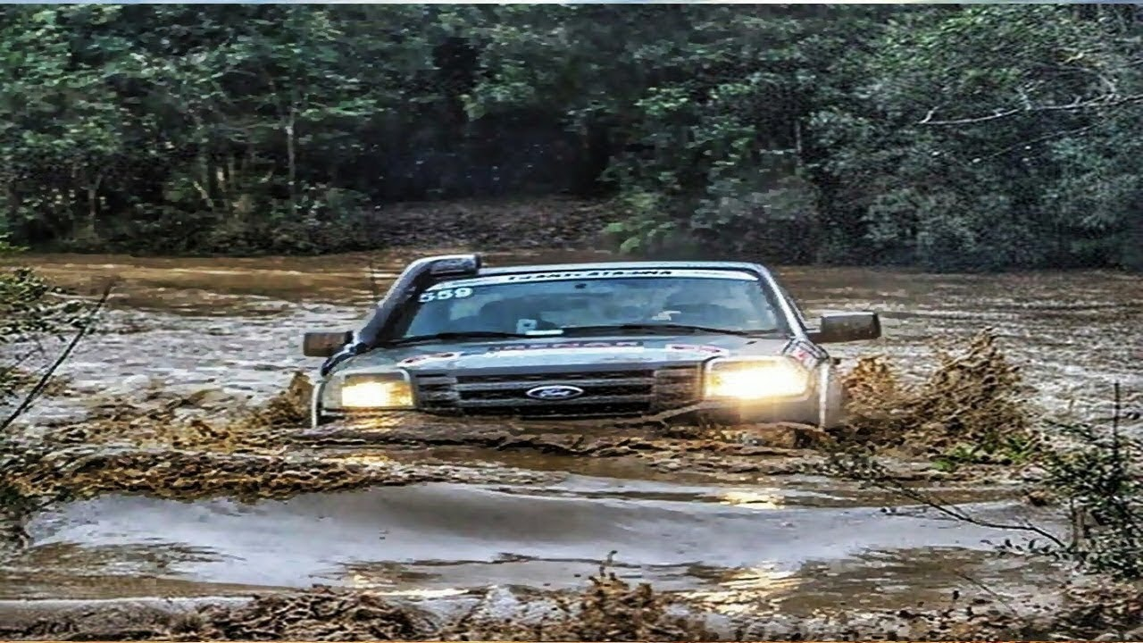 Crazy Drivers Compilation Off Road Cars Crossing Extreme Heavy River Flooding Car
