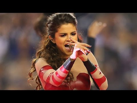 Watch Selena Gomez Rap to Drake's 'Preach'