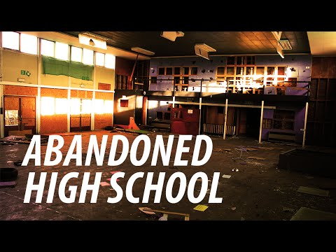exploring-abandoned-high-school-uk---2016