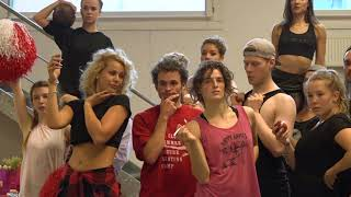 Download lagu Musicalprobe zu Grease im Theater am Marientor