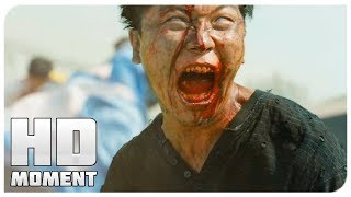 Герои спасаются от зомби на поезде - Поезд в Пусан (2016) - Момент из фильма