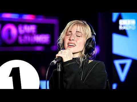 Hayley Williams - Simmer In The Live Lounge