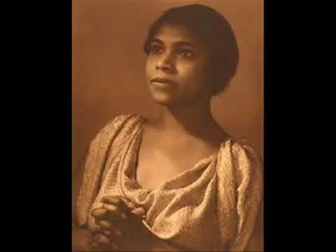 BELL TELEPHONE HOUR 06 08 1945 with MARIAN ANDERSON