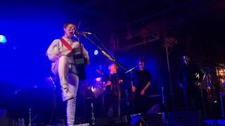 12/16 - As the river flows - Wallis Bird - live 24.05.2019 in Saarburg - new song