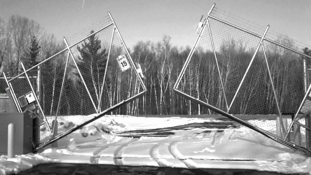 Vertical Pivot Lift Gate