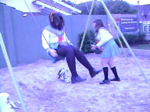 Bloopers Nº1 (?). Mikuru & Haruhi. . . playing in the plaza (?)