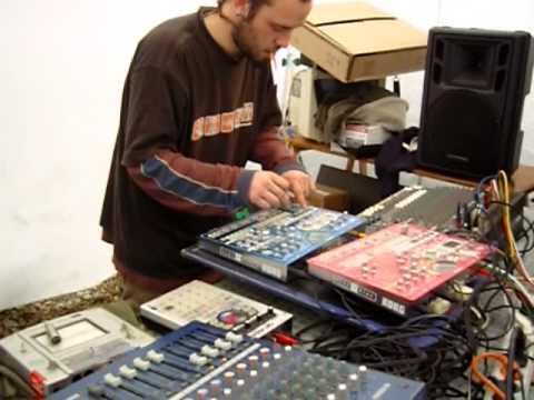 Teuf System D le 8 decembre 2007 live Marsu Agence Toumix