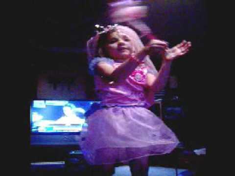 Laina dancing