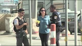 عراقيل إسرائيلية للفلسطينيين عند حاجز قلنديا