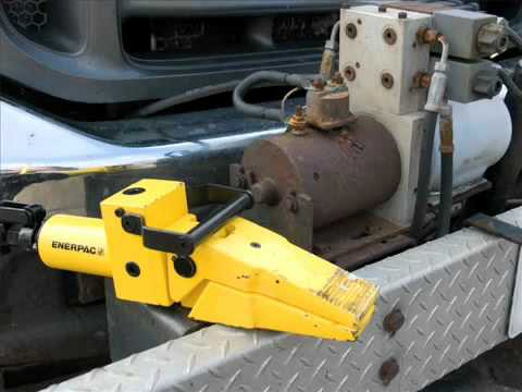 Hydraulic Spreader with Manual Pump from Enerpac on