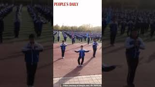 """Students in Dunhuang Middle School exercised by dancing adapted""""Flying Apsaras"""""""