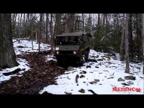 4X4 PINZGAUER TOURS DOWN STEEP HILL SNOW.wmv
