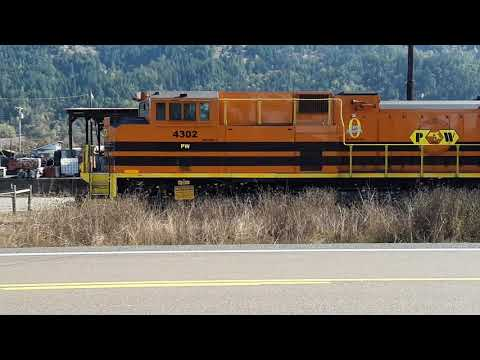 Central Oregon & Pacific big power in Sutherlin, OR--It's SD70 madness!