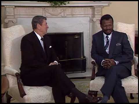 President Reagan Meeting with Zulu Chief Gatsha Buthelezi of South Africa on November 24, 1986