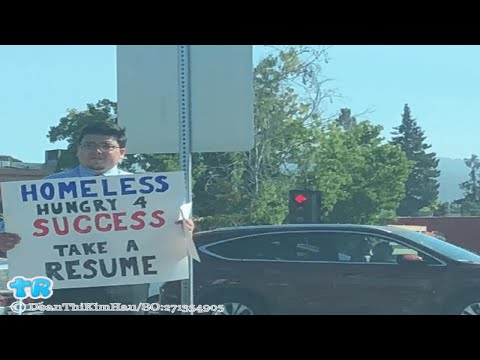 A Homeless Man Hands Out Resumes, Receives Hundreds Of Job Offers ...