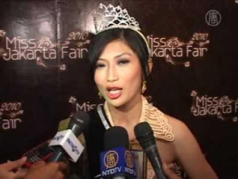 Miss Jakarta Fair 2010 - Wettkampf der Promotion Girls