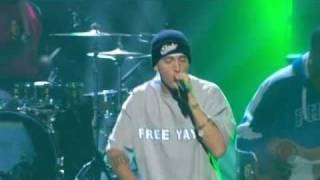 Eminem & Proof - Lose Yourself (Live @ Grammy Awards, 2003)