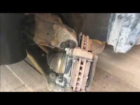Замена передних тормозных колодок и тормозного диска
