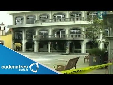 Queman habitantes el palacio municipal de Huehuetoca, Estado de México, por muerte de menor