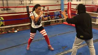 Claressa Shields and Hanna Gabriels train for world title fight