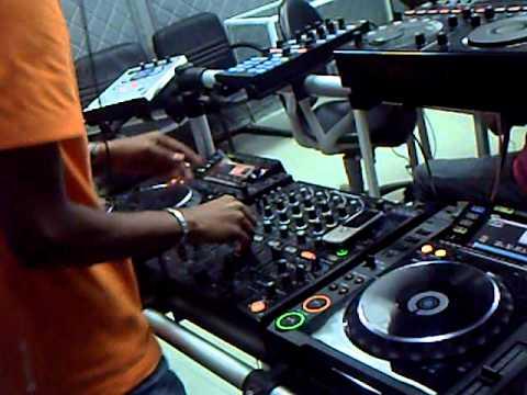 Mix Fm   Dj Paulo Alves Live @ Mix Fm 96 5   Luanda, 23 10 2010   Parte 1
