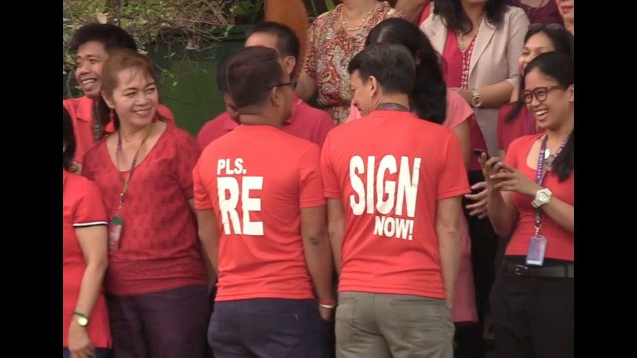 'Resign!' judges, court employees tell Sereno