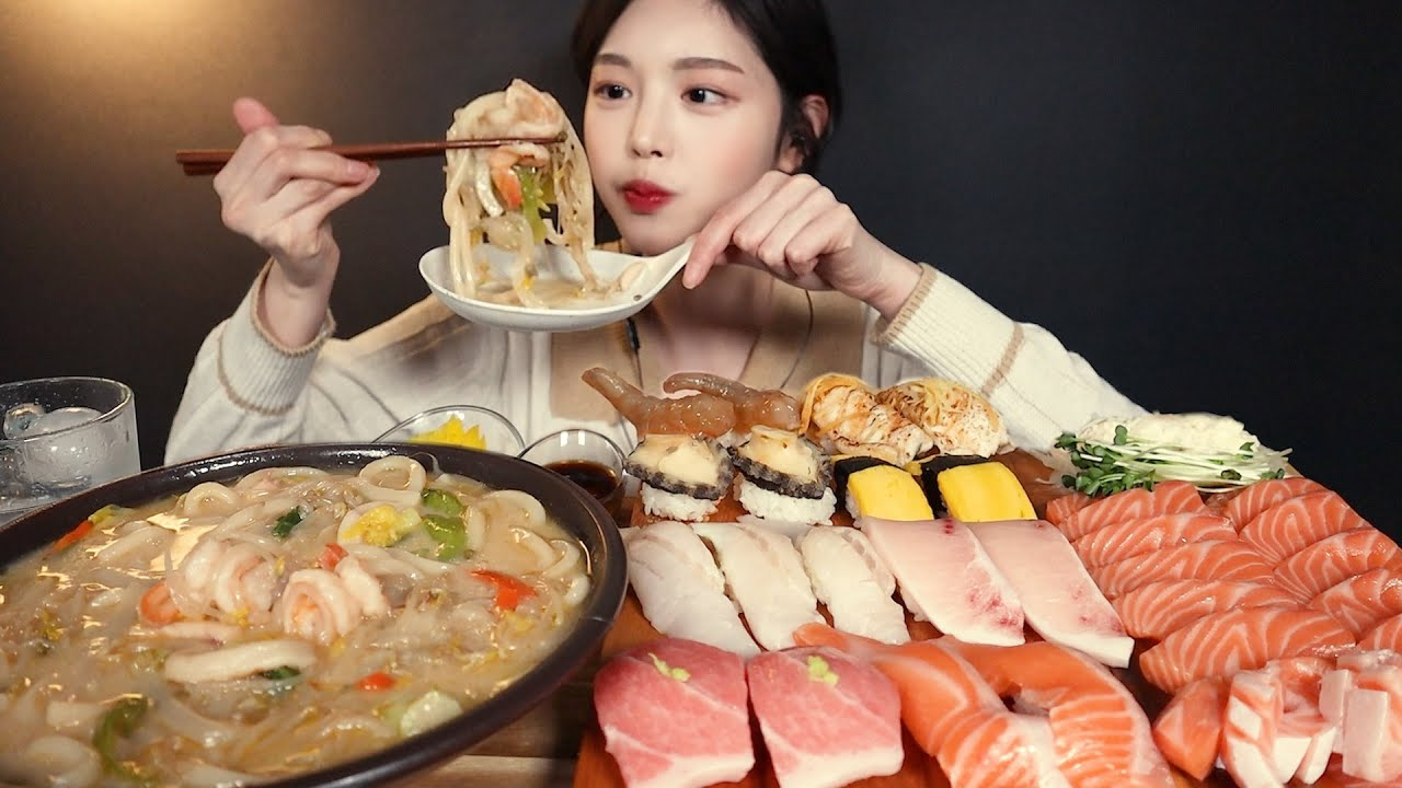 SUB)살살 녹는 두툼한 연어에 비쥬얼최강 초밥 먹방!🍣 나가사키 짬뽕까지 리얼사운드 Salmon & Assorted Sushi Mukbang ASMR