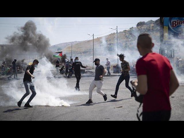 <span class='as_h2'><a href='https://webtv.eklogika.gr/' target='_blank' title='Χιλιάδες Παλαιστίνιοι εγκαταλείπουν τα σπίτια τους'>Χιλιάδες Παλαιστίνιοι εγκαταλείπουν τα σπίτια τους</a></span>