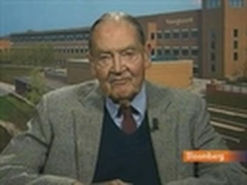 Bogle Sees U.S. Earnings Growth of 7% Over Next Decade: Video