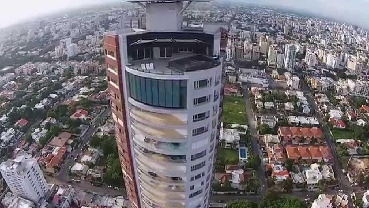Vista aerea Torre Caney  FlyCloud  Av Anacaona Santo