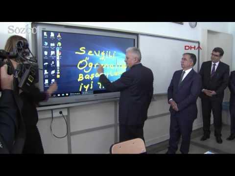 Başbakan Binali Yıldırım'ın 'Ğ (Yumuşak G)' yazmaya çalıştığı zor anlar!