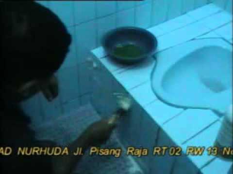 Membersihkan Keramik.flv
