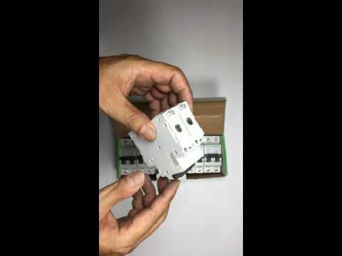 Bộ ngắt mạch tự động 2 cực 25A Mã 23867