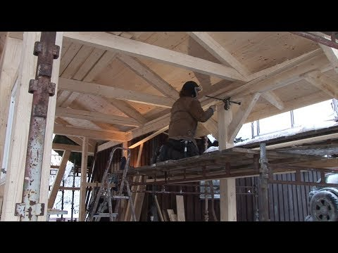 20/35: Building a Post and Beam Garage - a ceiling and window details