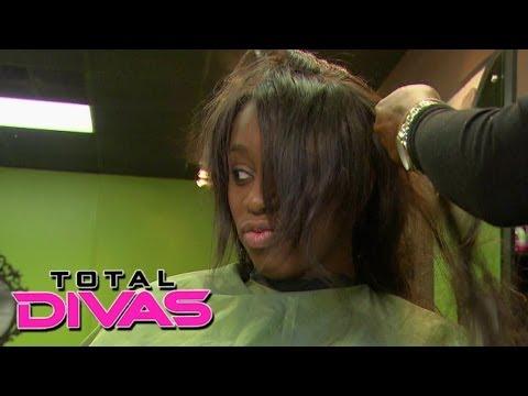 "Naomi talks about her upcoming ""Jet"" magazine photo shoot: Total Divas, December 8, 2013"