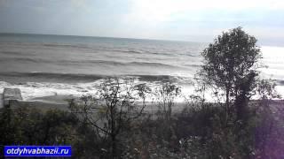 Море в Абхазии видео с поезда(Море в Абхазии видео с поезда источник - http://otdyhvabhazii.ru/otdyh-v-abhazii/krasivy-e-vidy-morya-abhazii-iz-okna-poezda Море в Абхазии и желе..., 2014-05-07T15:15:30.000Z)