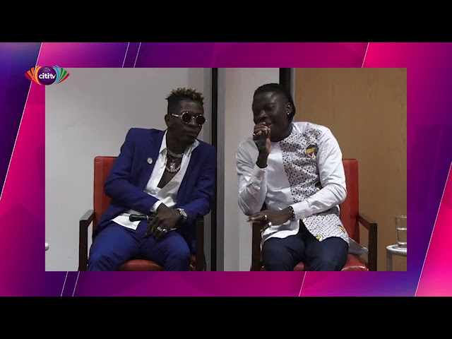 Shatta Wale gives Stonebwoy 'kiss of unity'