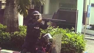 Bangkok (Thailand) 26-12-2013 Thai Police shoot demonstrater