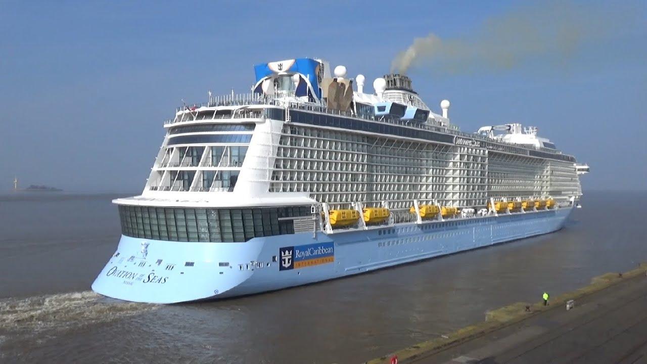 Riesenschiff Ovation Of The Seas Verl 228 Sst Bremerhaven Am 9