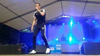 Download lagu Żabson Biznesmen Live Koncert Rap Stacja Wolsztyn 2017 MP3
