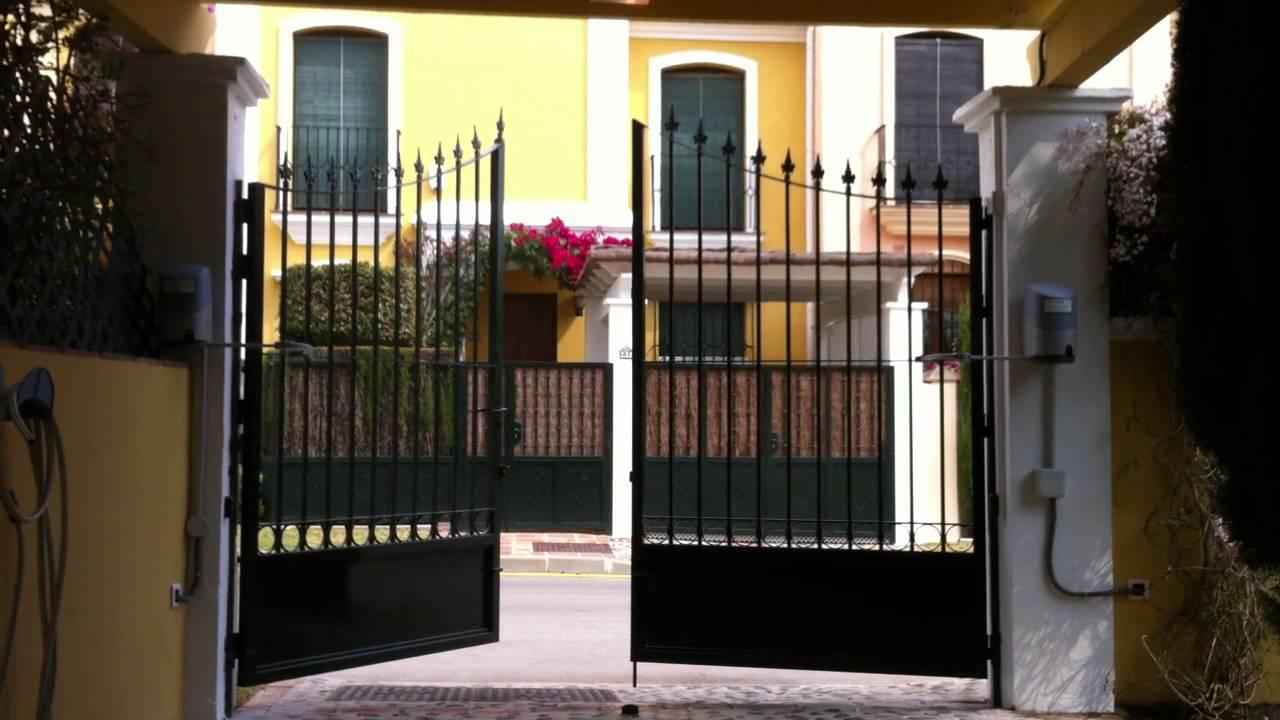 Puerta abatible dos hojas apertura exterior youtube - Puertas de dos hojas ...