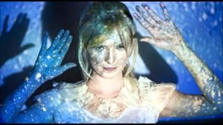 Mela Koteluk - Stale Płynne