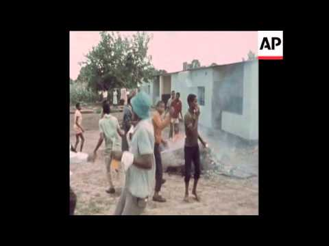 SYND19-1-72 BLACK PEOPLE RIOTING IN GWELO, RHODESIA OVER BRITISH SETTLEMENT WITH JOHN SMITH REGIME